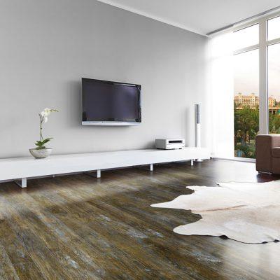 Living spațios, cu parchet compatibil cu încălzirea în pardoseală