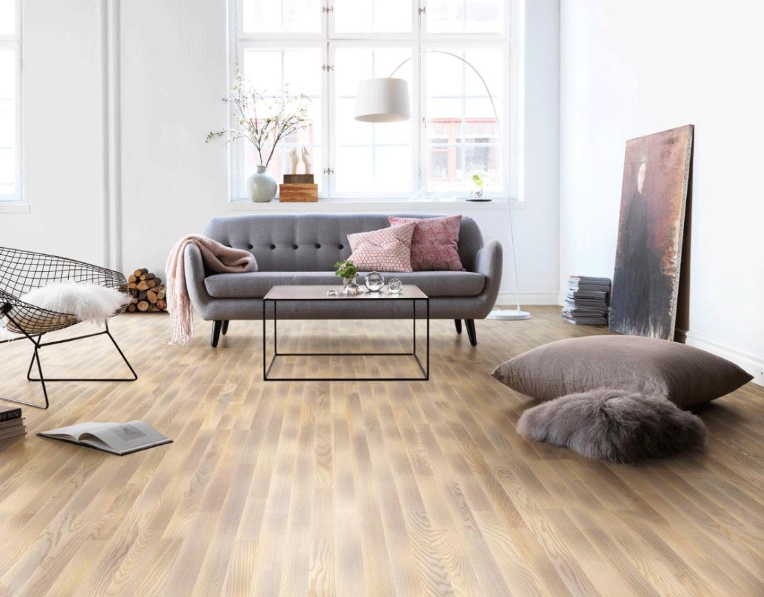 Un living modern de apartament sau de casa trebuie amenajat tinand cont de sfaturile specialistilor in design interior. Cum alegi pardoseala, mobilierul, accesoriile si culorile pentru amenajarea unei sufragerii moderne