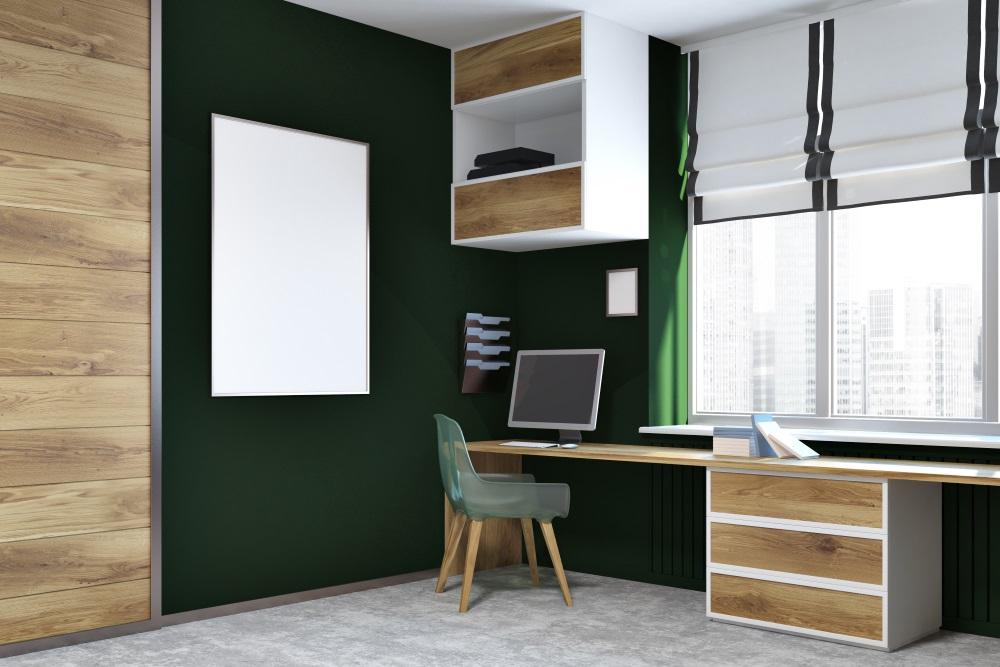 Doi pereti verzi, vopsiți în verde. Verde închis în designul interior