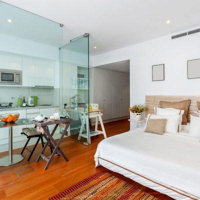 Dormitor amenajat in apartament cu camere mici