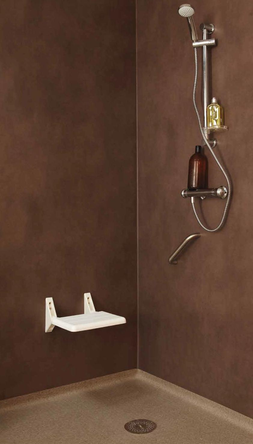 Duș cu tapet PVC și pardoseală PVC maro