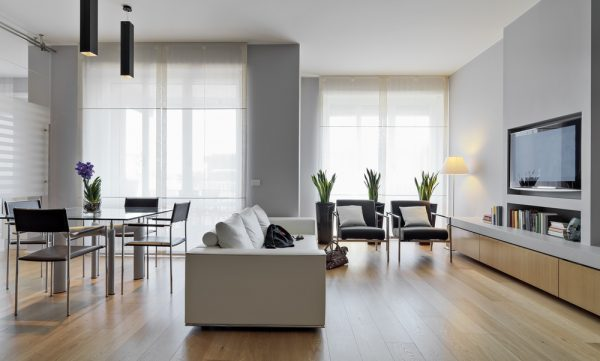 Parchet din lemn vs laminat: diferențe, avantaje și dezavantaje